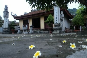 Yen_Duc_village_gallery_Canh_Huong_pagoda