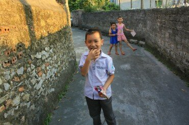 Yen_Duc_village_gallery_local_people_2
